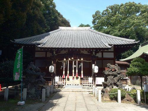平塚神社 - 「平塚三所大明神」として源義家・義綱・義光の三兄弟を祀る神社