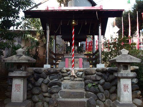 向陵稲荷神社 - 出羽国久保田藩佐竹氏の屋敷内に祀られていたお稲荷さまが起源のお社