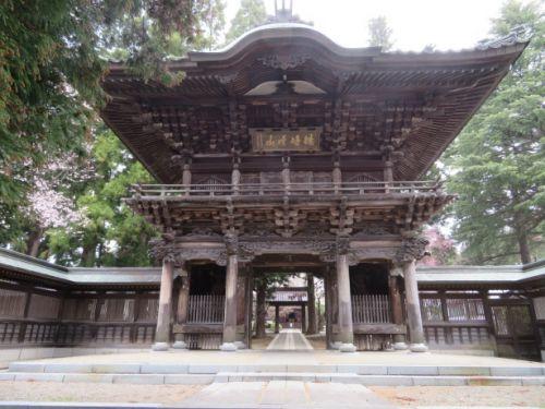 桜の咲く時期に盛岡を訪ねて~~報恩寺、石割桜、盛岡城跡、盛岡八幡宮、らかん公園