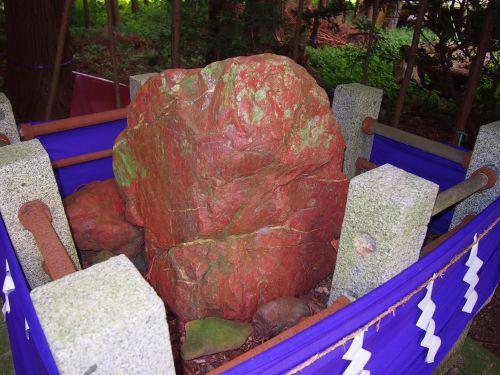 劔主神社と鹿嶋大神宮・畏怖感あふれる美白神岩