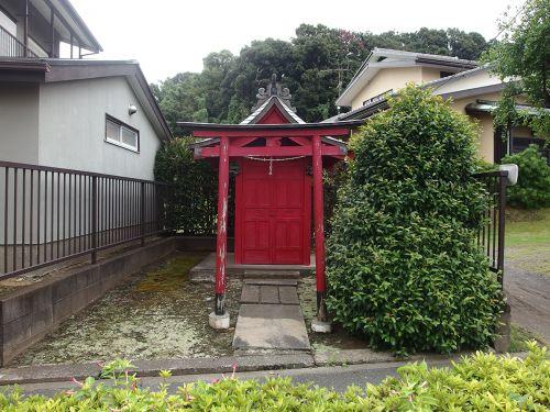 稲荷神社(横浜市鶴見区駒岡3-7-21) - 江戸時代前期からこの地に鎮座していたお稲荷さま