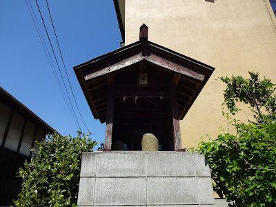 「八幡社」(小田原市曽我谷津)