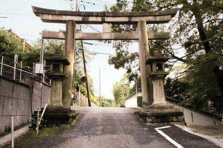 維新の道から興正寺霊山本廟へ