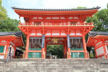 八坂神社 国宝・重文の建物を訪ねて